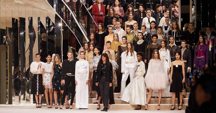 CHANEL Métiers d'Art 2019/20 fashion news, fashion, fashion show, Gigi Hadid, Virginie Viard