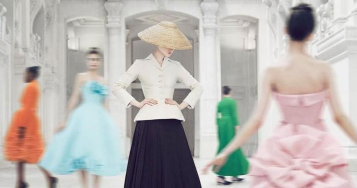 'Christian Dior : Designer of Dreams' ส่งตรงจาก Musée des Arts Décoratifs