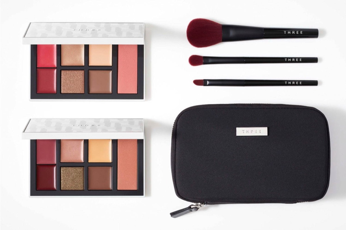 Three Celebration Liberation Palette Holiday Brush อายแชโดว์พาเลตต์
